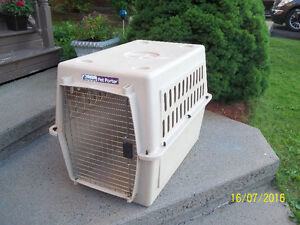 Large Pet Carrier (Petmate Pet Porter)