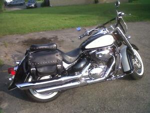 Moto à vendre Intruder Volusia 800cc 2001