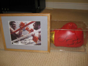 LEON SPINKS  AUTOGRAPHED GLOVE AND PICTURE