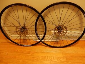 ROUES 700 C,ALEXRIMS/ DA 22 DISC, CENTER LINE