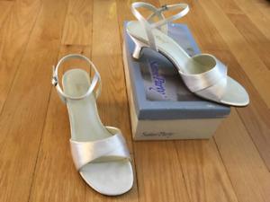 Formal sandals