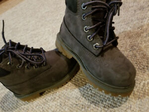 Mint Size 7 water proof Timberland toddler boots