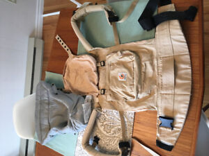 Ergobaby carrier with infant insert, like new