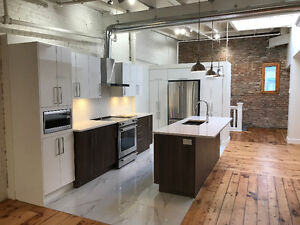 Luxury Penthouse with Private Rooftop! Available Now! Old Port!!
