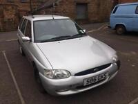 Ford Escort 1.6i Estate Finesse ONLY 28,000 MILES FROM NEW