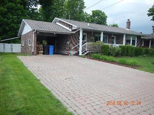 maison de plain- pied, bungalow