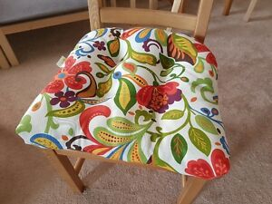 Brand New Condition Floral Tufted Cushion (4 pcs) Made in USA