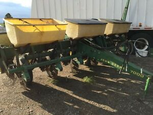 John deere notill corn planter 7000