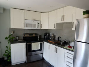 Legal 1 bdrm walkout bsmt apt - Avail Oct or Nov 1 (Pickering)