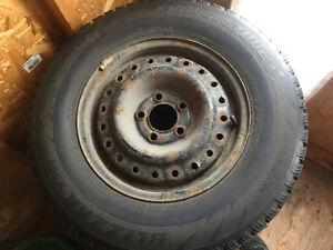 5x114.3 pneu hiver blizzak ws60 215/70/15