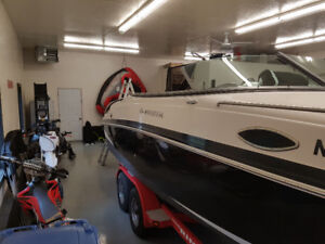 Looking for Windshield (side) for 2006 Rinker Captiva