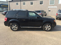 2010 FORD ESCAPE LIMITED (((LEATHER,SUNROOF,STARTER)))