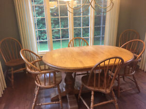Solid Pine Table, 6 Chairs