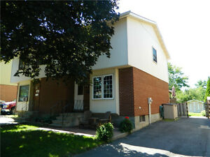 264 MEADOWVALE CR, Cornwall