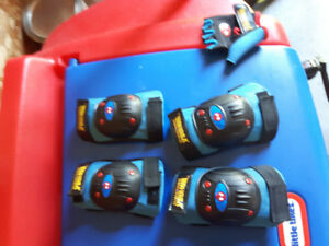Kids Elbow and knee pads spider man $10