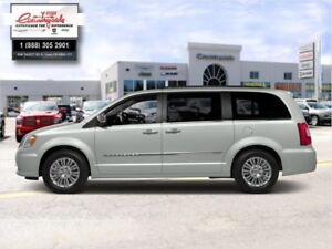 2015 Chrysler Town  Country TOURING  -  Power Tailgate