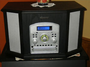 Memorex Retro System with CD Recorder Cassette Turntable
