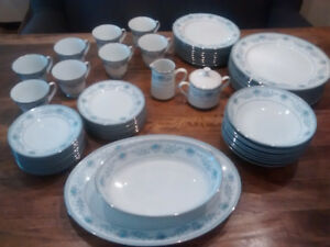 Noritake Fine China - Blue Hill Pattern - Mint Condition