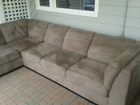 Good used Large sectional couch, Excellent quality.