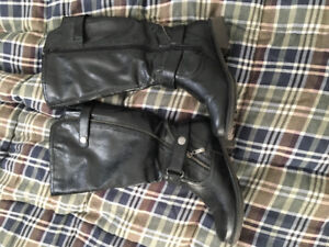 Comfortable BLACK BOOTS