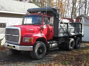 1995 Ford  Louisville dump truck