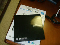 SAMSUNG  PORTALBE  DVD WRITER SE 208 NEW USED ONLY ONCE