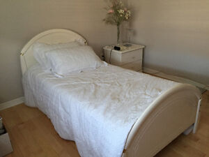 Girl Twin Bedroom 6 Piece Set Reduced Price