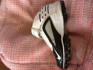 Football cleates size youth 5.5