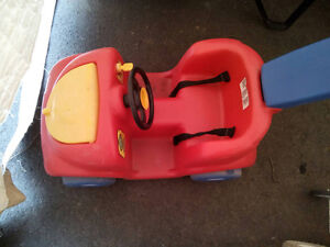 Selling step 2 push around buggy in rough shape but it works $1