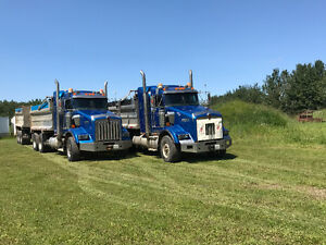 2007 Kenworth T800 with Tri axle Trailers