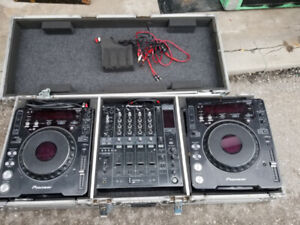 Road ready Coffin road case / flight case for cdjs and 4ch mixer