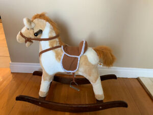 Cheval bercant tres propre 15$