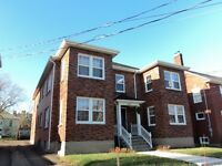 458 LUTZ ST- BRIGHT & OPEN CONCEPT LIVING- UTILITIES INCLUDED!!!