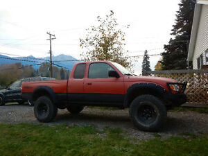 2004 Toyota Tacoma TRD Off-Road Pickup Truck