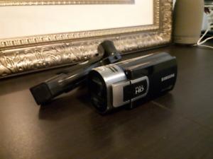 Samsung Video Camera HMX-QF30 and 32 GB Patriot Micro SDHC
