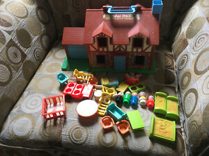 Fisher price Tudor house
