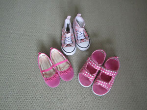 Girl's shoes, size 10