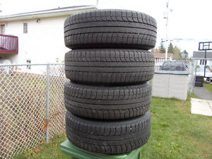 p235/70/16 inch Michelin X Ice Winter Tires / Rims / GOOD DEAL