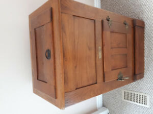 Antique oak ice box refrigerator from eatly 1900