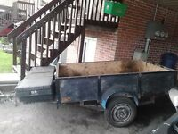 UTILITY TRAILER I BELEIVE ITS 4X8 GOOD CONDITION 200$ DOLLARS