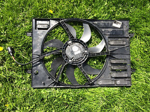 Volkswagen rad fan for a 2.5L
