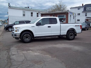 2015 Ford F-150 XLT CREW CAB-SHORT BOX- 4x4 # 950