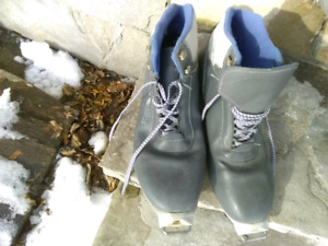 Cross country skis boots
