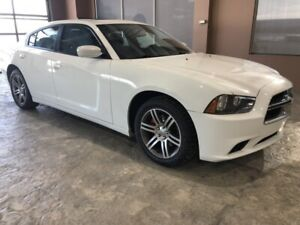 2012 Dodge Charger SXT  W\Sunroof,Heated Seats