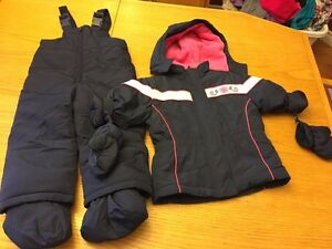 Girls 24m snowsuit with mittens and booties London Ontario image 1