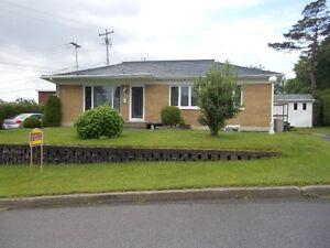 Duplex à vendre/Maison avec revenu