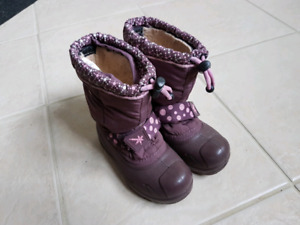 Girls Boots - Size 8