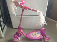 Little Girl's Three-Wheel Scooter (Disney Princess/Huffy)