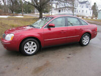 2005 Ford Five Hundred SEL Sedan  **** AWD ****
