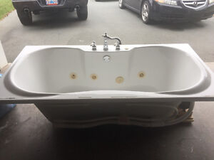 Jacquzzi tub and taps